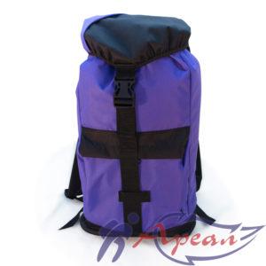 Фасад рюкзака Путник с вместительным карманом на молнии