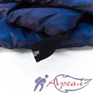 Спальный мешок с разъемной молнией